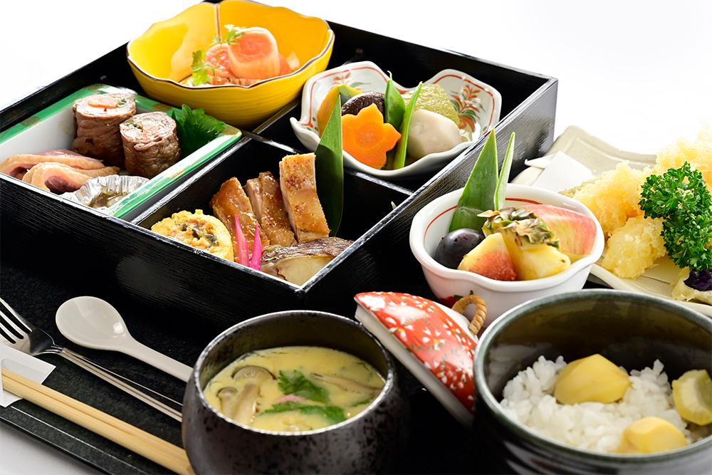 素材にこだわった和食・洋食・中華のお食事